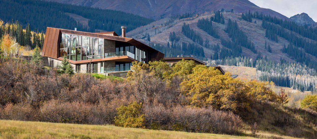 Una casa en las Montañas Rocosas   Skylab Architecture